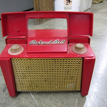"Packard Bell ""portable"" radio"