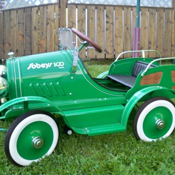 sobeys grocery store  100 anniversery pedal car - Toys