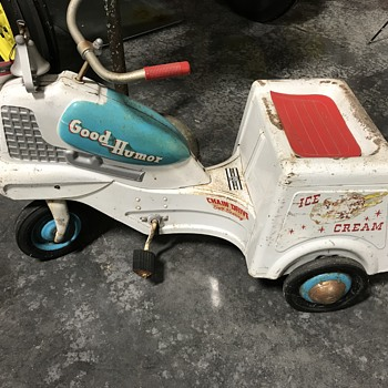 Good humor peddle car  - Toys