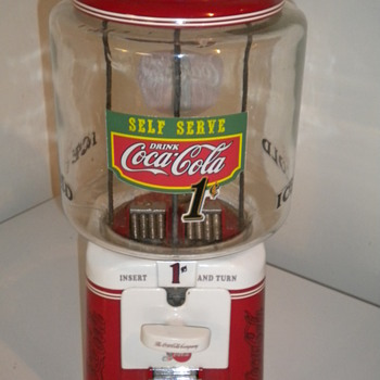 1950's Acorn gumball machine - Coca-Cola