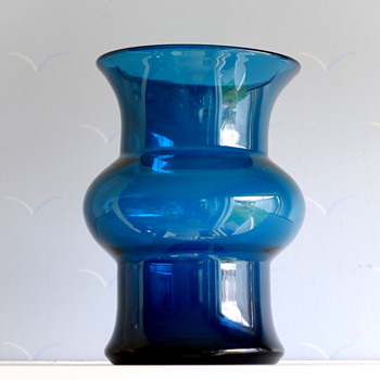 Blue series vase - Bertil Vallien Boda/Åfors. - Art Glass