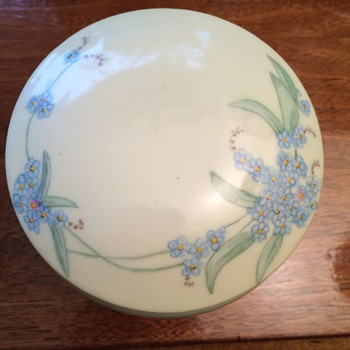 Vienna Austria covered dish - Pottery