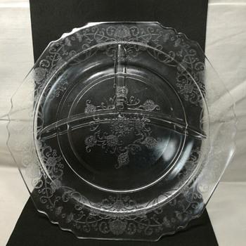 Hazel Atlas Florentine #1 depression glass grill plate