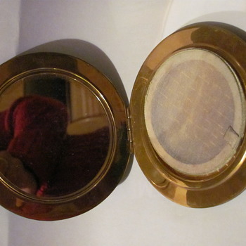 A Black leather ladys Powder compact,   - Accessories