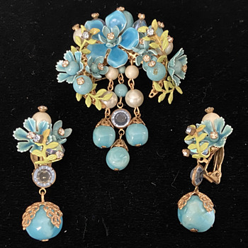 Auction Find! Curious About Origins - Costume Jewelry