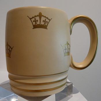 GRAY'S POTTERY CORONATION MUG 1937 - Pottery