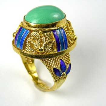 More Mongolian Jewelry Eye Candy!