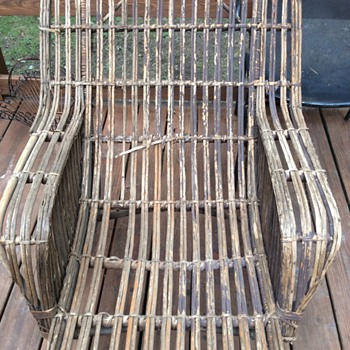 Antique chaise lounge - Furniture