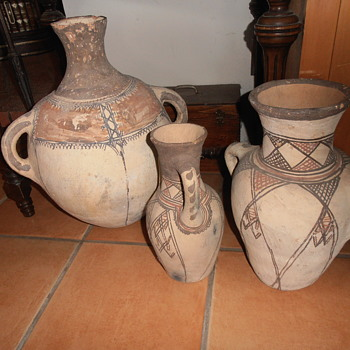 Unknown hand made & painted potter - Pottery