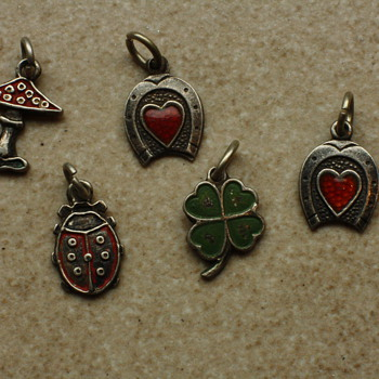 Some silver charms - Fine Jewelry