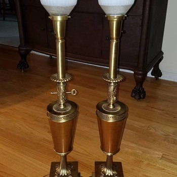 Pair of Colonial Premier Co lamps - Lamps
