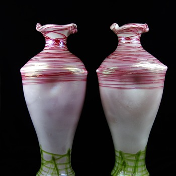 Monumental Pallme Konig & Habel vases Pink / Green threading - Art Glass