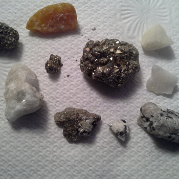 Small box of stones in one of Mom's jewelry boxes????? Why? - Gemstones