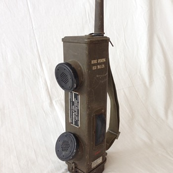1940's US Army World War II WW2 Hand Held Walkie Talkie Wireless Communication Device - Military and Wartime