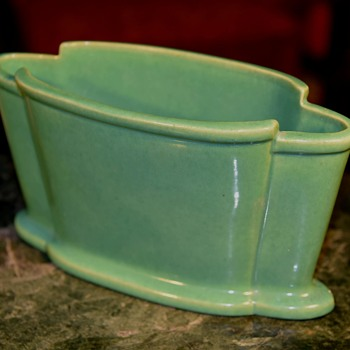 1930s Art Deco Vase - Garden City, i think - Pottery