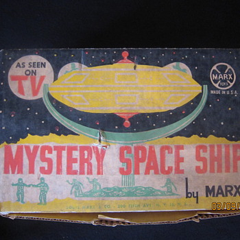 Early 1960's Louis Marx Mystery Space Ship Play Set With Original Box - Games