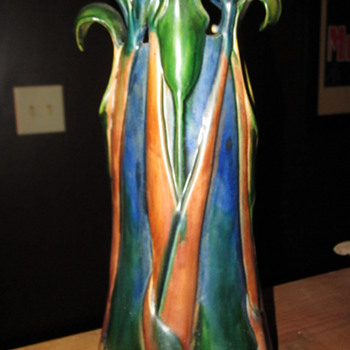 "In the style of Tiffany ""Jack in the pulpit""..???...Unmarked - Pottery"