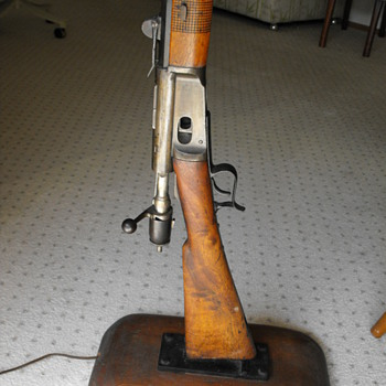 Antique rifle?? - Military and Wartime