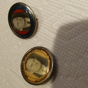 Vintage political buttons - Politics