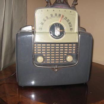 Grandpa's Zenith radio - Radios