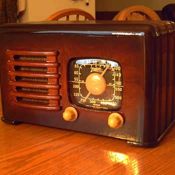 1941 zenith 6d 525 - Radios