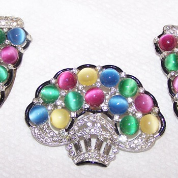 Pastel Cabochon Set - 2 Dress Clips and a Brooch - Costume Jewelry