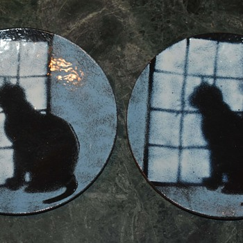 Enamel Plates by Ray Storch 1996 - Cat staring out the window - Animals