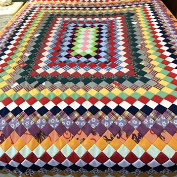 Quilt top made from polyester single knit fabric - Sewing