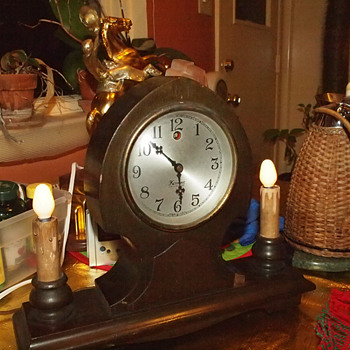 1927-29 Kenmore (Kodel) Gothic Mantel Clock With Side Lamps
