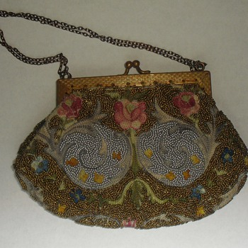 Petit point and (ultra) micro beaded purse... - Accessories