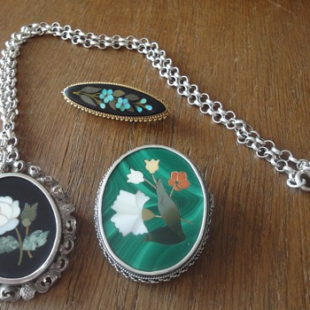 PIETRA DURA BROOCHES AND PENDANT