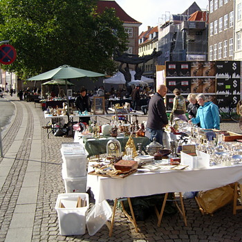 Historic photos. Flea market at Gammel Strand, Copenhagen, October 2nd 2009. - Photographs