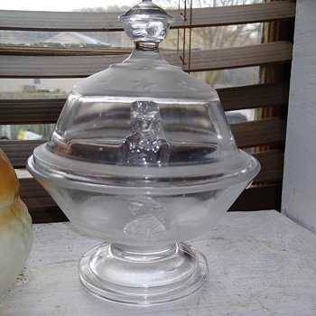 candy dish with lid - Glassware