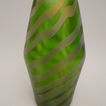 "Loetz PN I-7503/9""  - Art Glass"