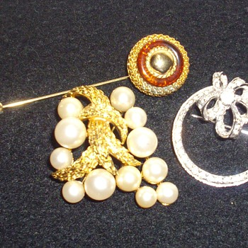 Black Friday Brooches. - Costume Jewelry