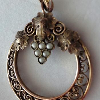 Art Nouveau Rose Gold/or Vermeil Bunch of Grapes Filigree Pearl Pendant. - Art Nouveau