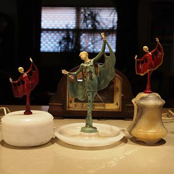 La Grande Chauve Souris, Valet,  Trinket box, Boudoir Lamp After Ignacio Gallo, J. B. Hirsch 1922 - Accessories