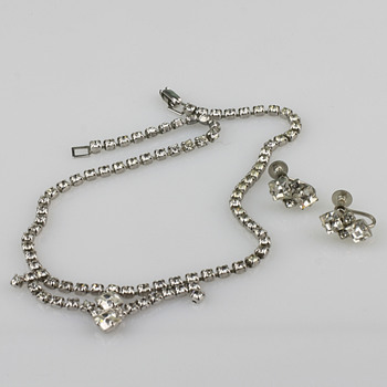 Vintage blingbling - Costume Jewelry
