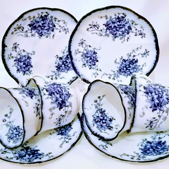 My old victorian tea cups & saucers - China and Dinnerware
