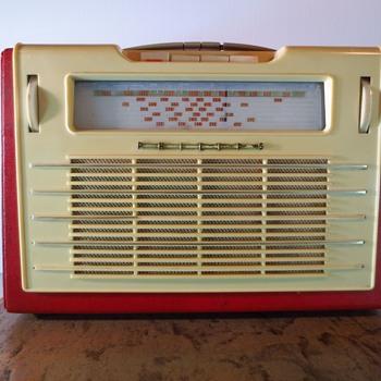 Philips L3Z74T + Bonnie - Radios