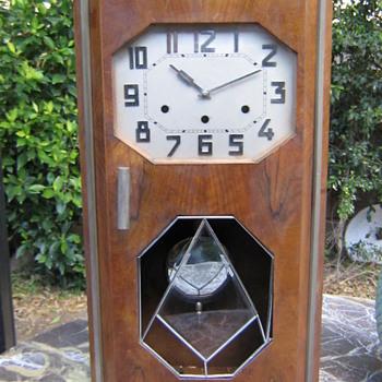 Kienzle Art Deco Chiming Wall Clock, 1920-25