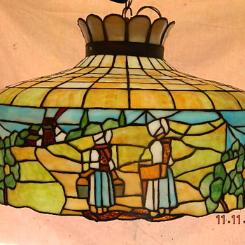 Amish Theme Tiffany style lamp - Lamps