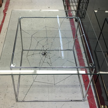 Very neat looking spider table. - Furniture