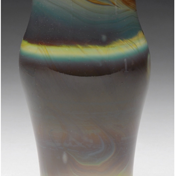 QUEZAL ART GLASS VASE, circa 1917 - Art Glass