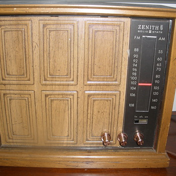 Zenith Solid-State Radio model unknown