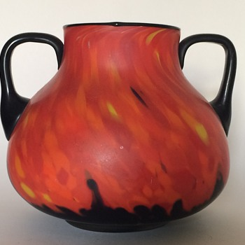 Ruckl two handled Coral Shimmy Pfau Vase - Art Glass