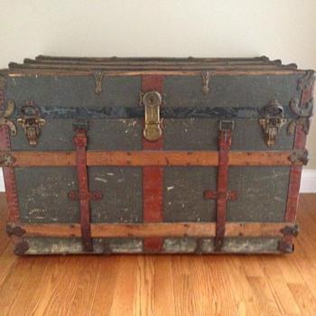 Traveler's Trunk - Furniture