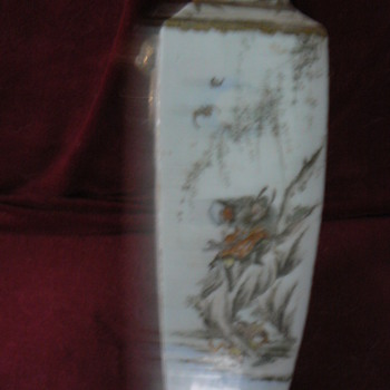 Small square oriental vase with  warrior - Asian