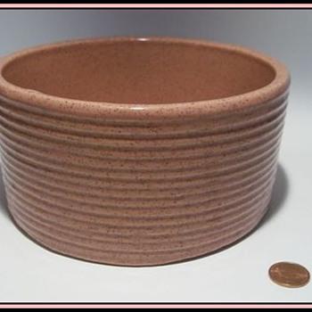 """Old """" ZANESVILLE """" Pottery Bowl -- Pink  ( Zanesville, Ohio ) - Pottery"""