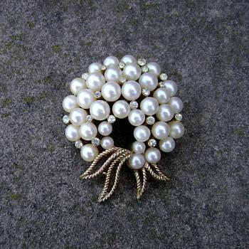 Trifari Pearl Pin - Gems of the Sea - Costume Jewelry